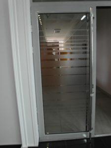 alyminievay_dver